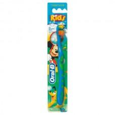 Детская зубная щетка Oral-B Kids мягкая 2-4 года