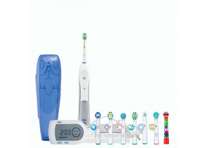 Электрическая зубная щетка Oral-B Triumph 5000