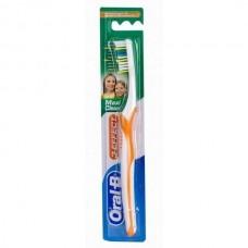 Зубная щетка Oral-B 3 Effect Maxi Clean средняя жесткость