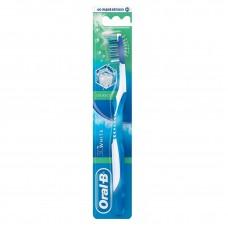 Зубная щетка Oral-B 3D White Свежесть средняя жесткость